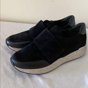 NWOB VINCE Gage Black Coco Sport Suede Sneakers 9